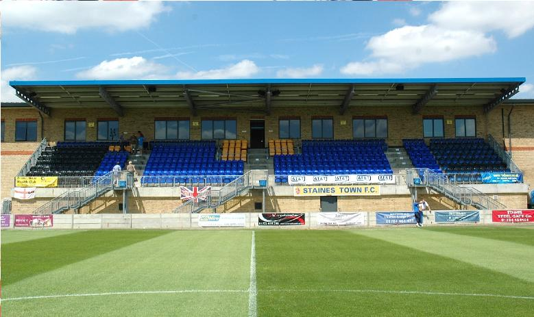 Groundhopping With Ryan: Staines Town F.C. - Wheatsheaf Park